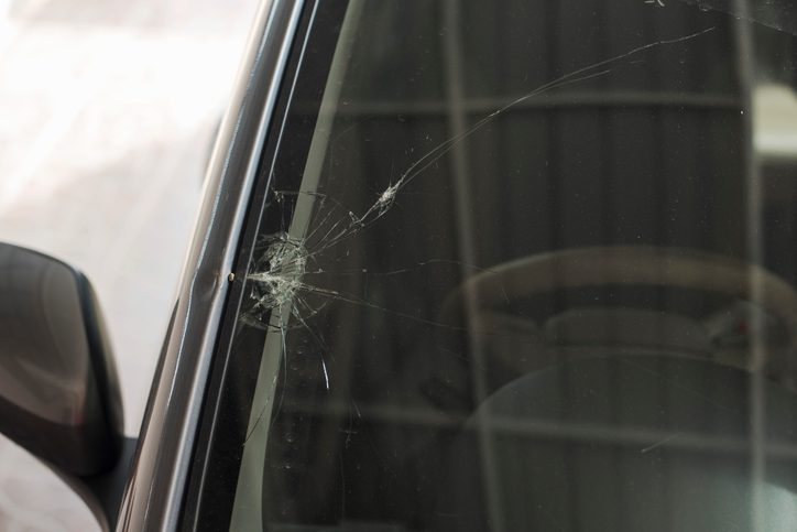 5 Common Causes of Windshield Damage